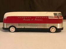 GREENLIGHT 29832 1940 General Motors Futurliner Parade of Progress Diecast 1:64