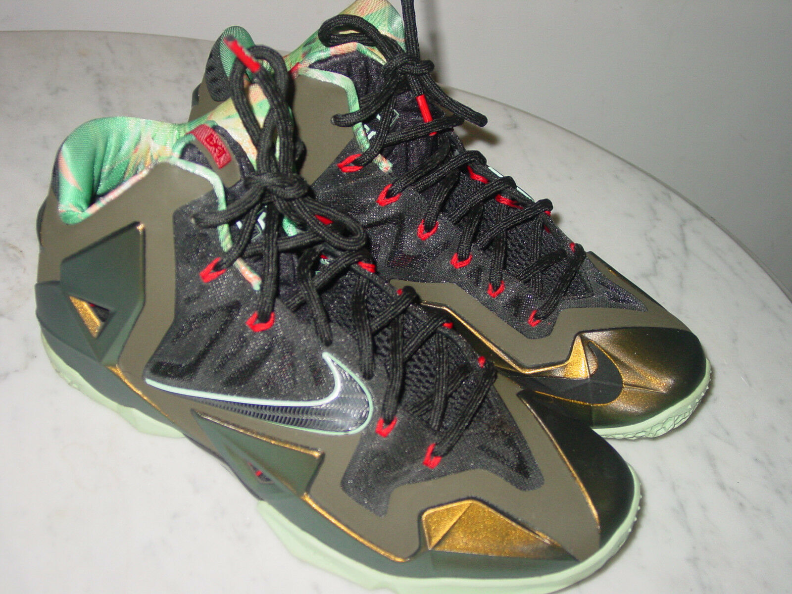 2013 Nike Lebron 11  Kings Pride  Parachute gold Arctic Green shoes  Size 10