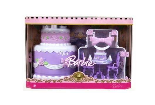 Mattel J6075 Barbie Mini Kingdom Birthday Cake Playset 2006