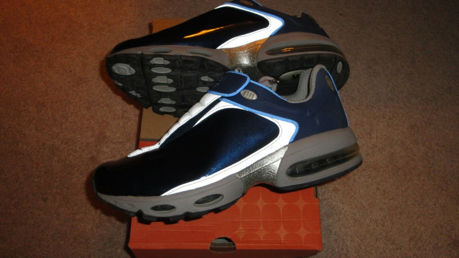 RARE NIKE AIR MAX 10.5.....RARE COLORS