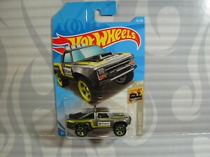 2019-Hot-Wheels-039-039-Baja-Blazers-039-039-64-87-Dodge-D-100-Grigio-Int