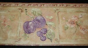 Tapete-Borduere-int-Beige-Weinrot-rund-gezackt-Fruechte-Blumenmuster-4-6m-m-x