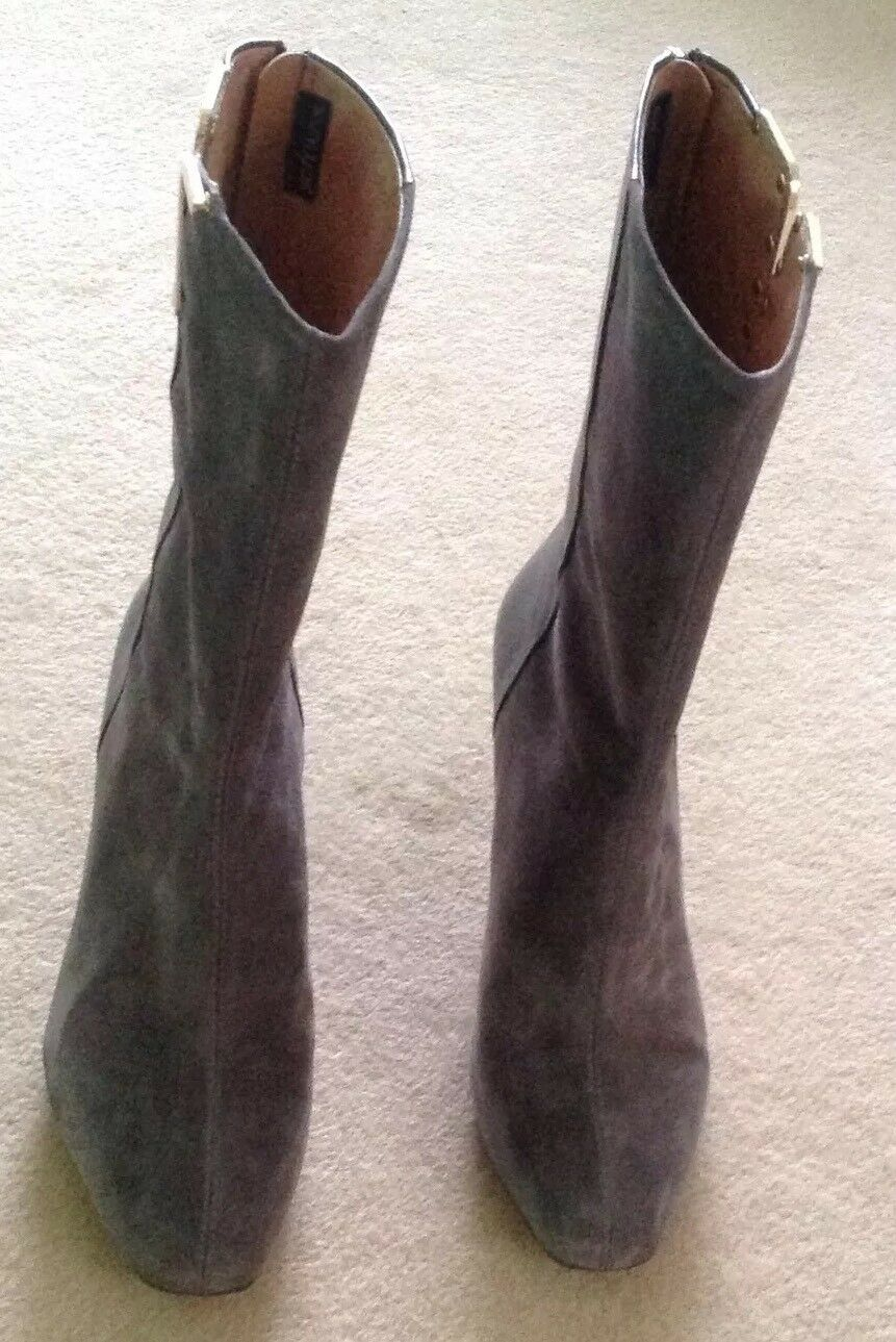 Clarks Grey Boots.New Suede and  Leather Boots.New Grey size 7 UK b49a9a