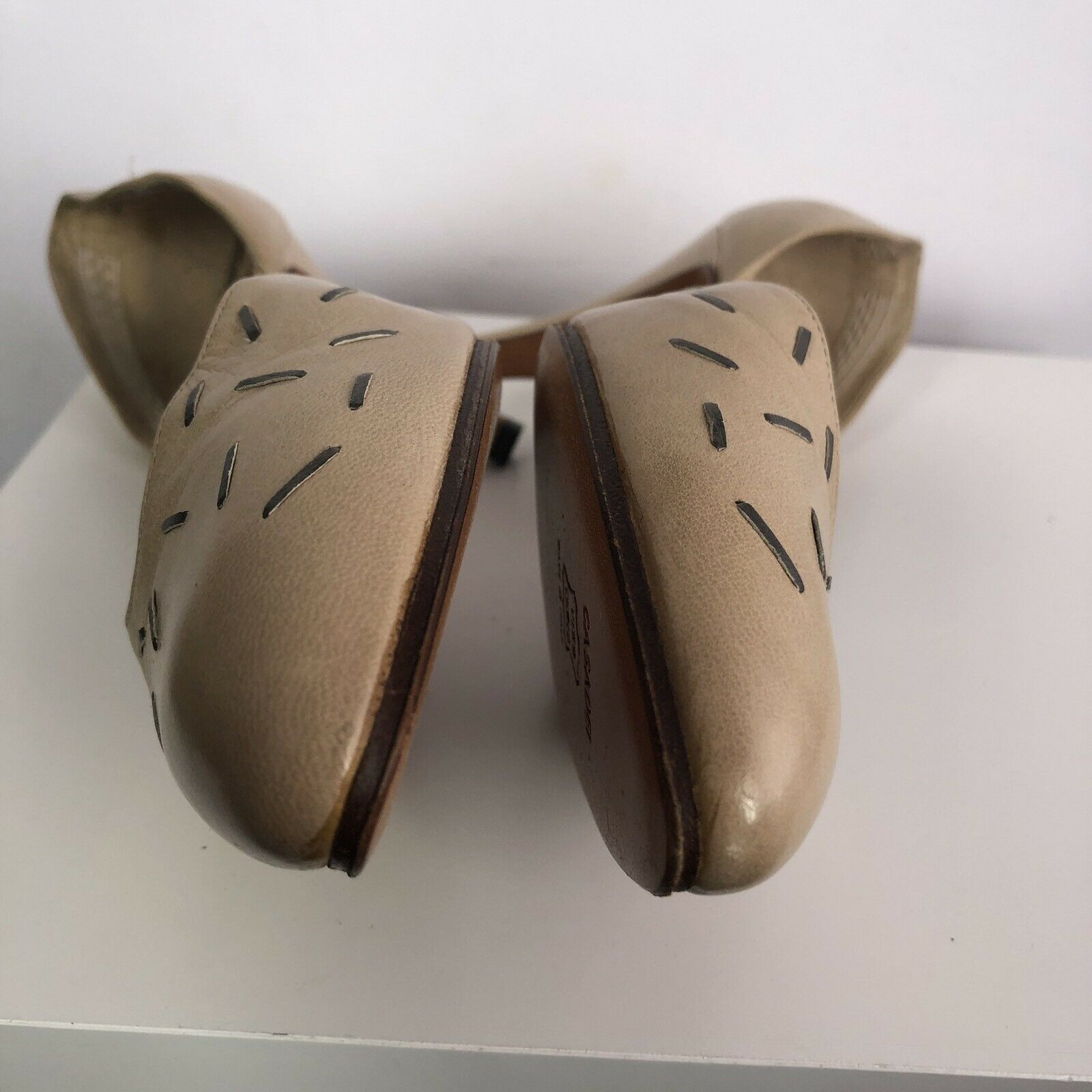 Casadei Pumps 7.5 7.5 7.5 Beige Nude D'Orsay Leather  3 Inch Heel 1698be
