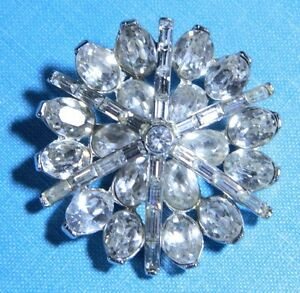 VTG-CROWN-TRIFARI-Pat-Pend-Silver-Tone-Clear-Rhinestone-Large-Wreath-Pin-Brooch