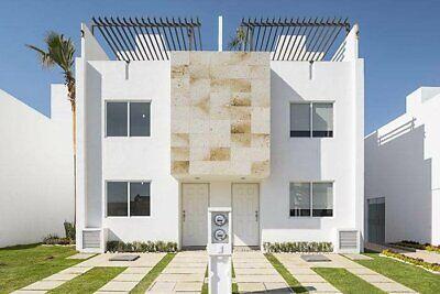 Preciosa casa de 3 recamaras con terraza en recamara principal , aqui en puebla .