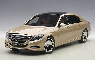 Autoart MERCEDES BENZ MAYBACH S-KLASSE S600 CHAMPAGNE GOLD 1//18 Scale New!