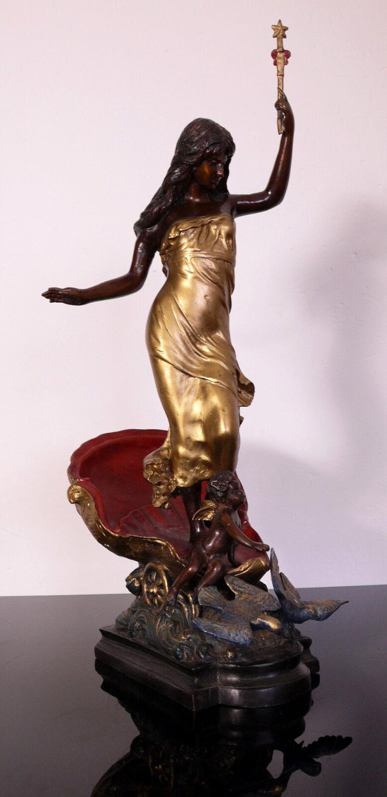 Bronze    Venus auf Muschelwagen    Golden Patiniert    65 cm
