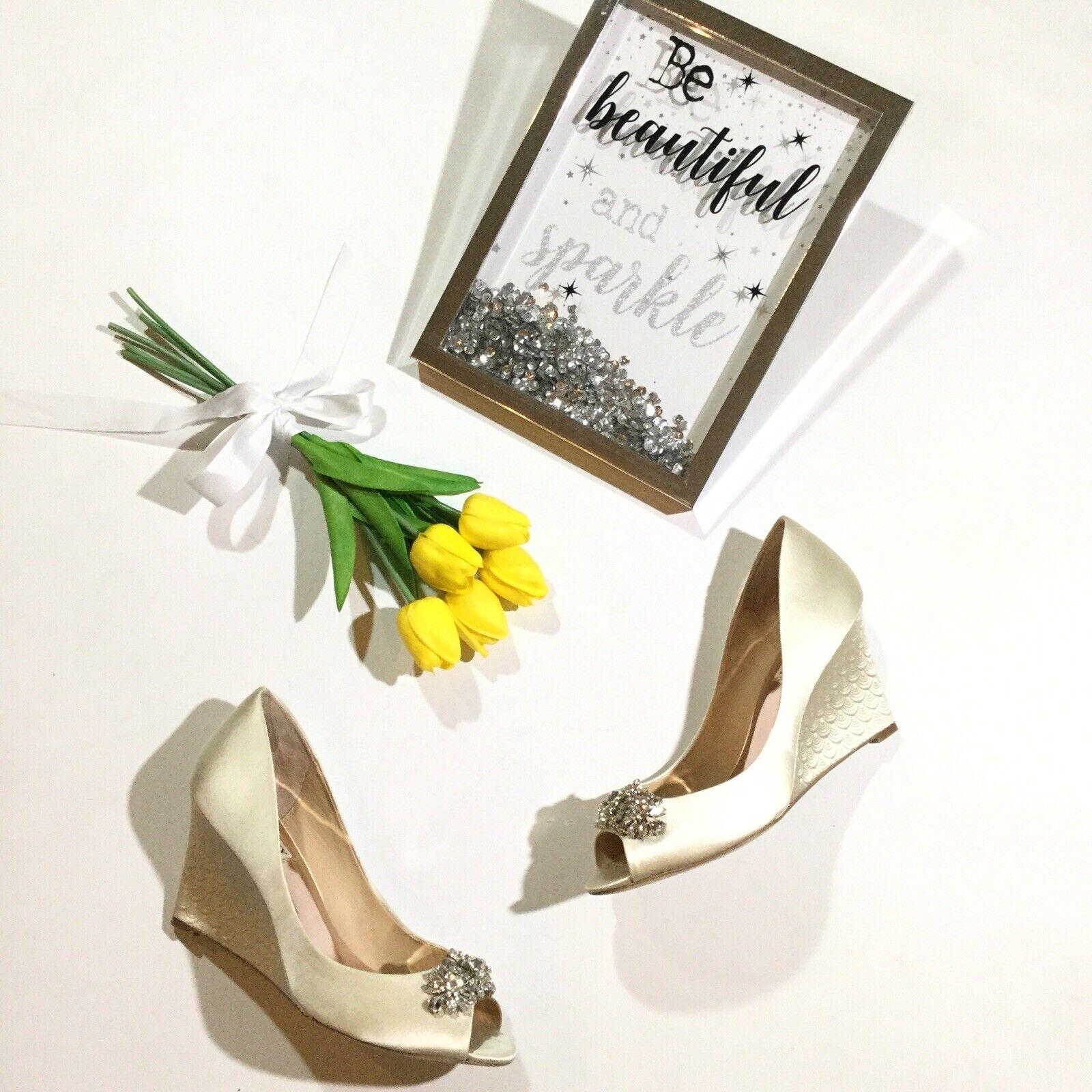Badgley Badgley Badgley Mishka kvinnor Storlek 9.5 Dara Embelleished Open Toe Wedge Evening skor  försäljning online