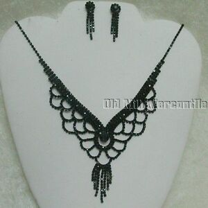Victorian-Vintage-style-black-beaded-necklace-choker-with-post-earrings