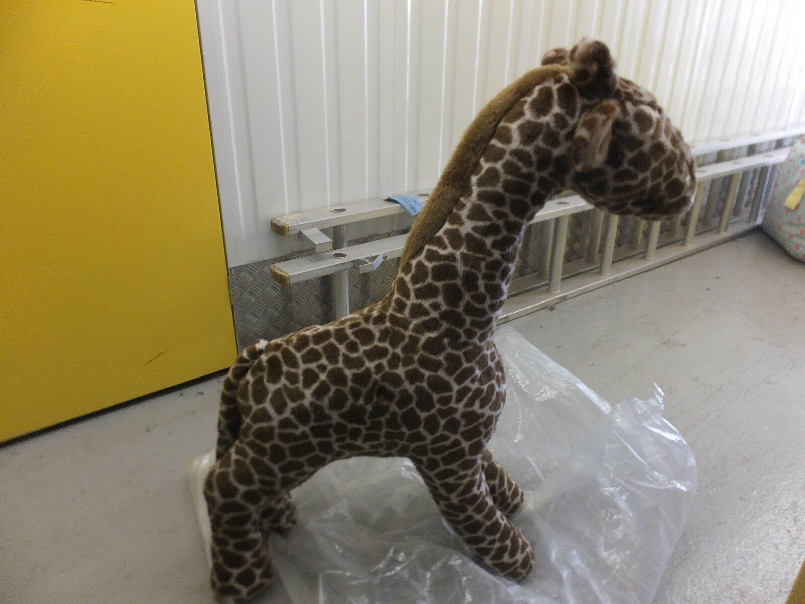 Merrythought Soft Toy Studio size Giraffe. Hand Made in England Ex Shop Display
