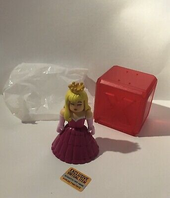 Roblox Toys Series 4 Celebrity Star Sorority W Virtual Item Code