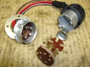 Triumph-Trophy-BSA-Goldstar-Headlamp-QD-Plug-amp-Socket