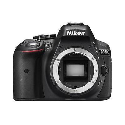 Spiegelreflexkamera Nikon D5300 (24,2 MP) DSLR, NUR GEHÄUSE (body), NEUWARE
