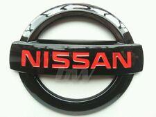 Custom Negro Brillante y Rojo Nissan placa 350Z GTR 370Z Navara Juke Nota Tamaño Pequeño