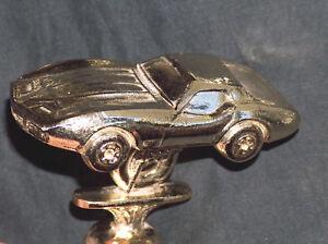 """IngéNieux Tropar 4 """" Métaux Lourds Couleur Or 1970's Chevy Corvette Voiture Show Trophy"""