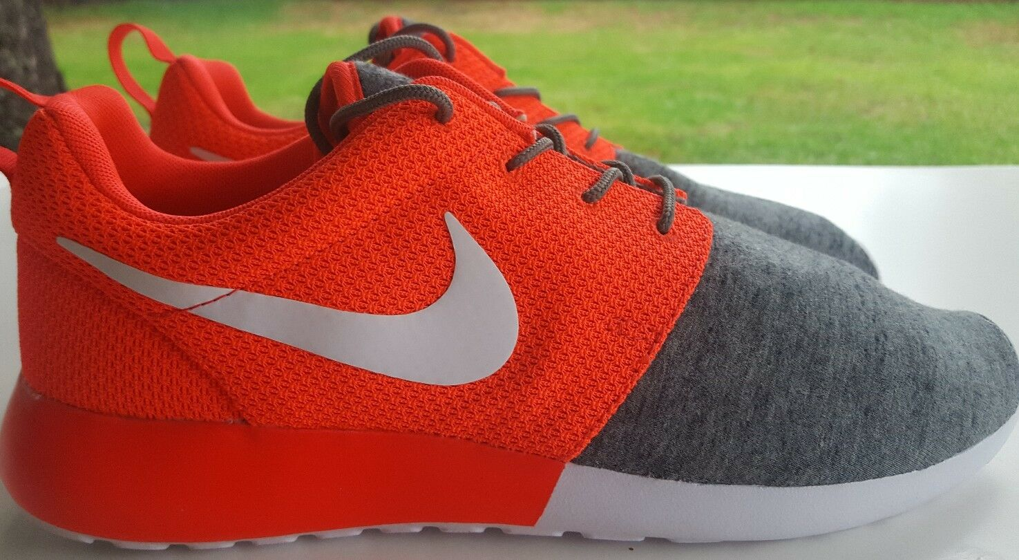 Comfortable and good-looking NIKE ROSHERUN ID ROSHE ONE SIZE 10.5 616834-994