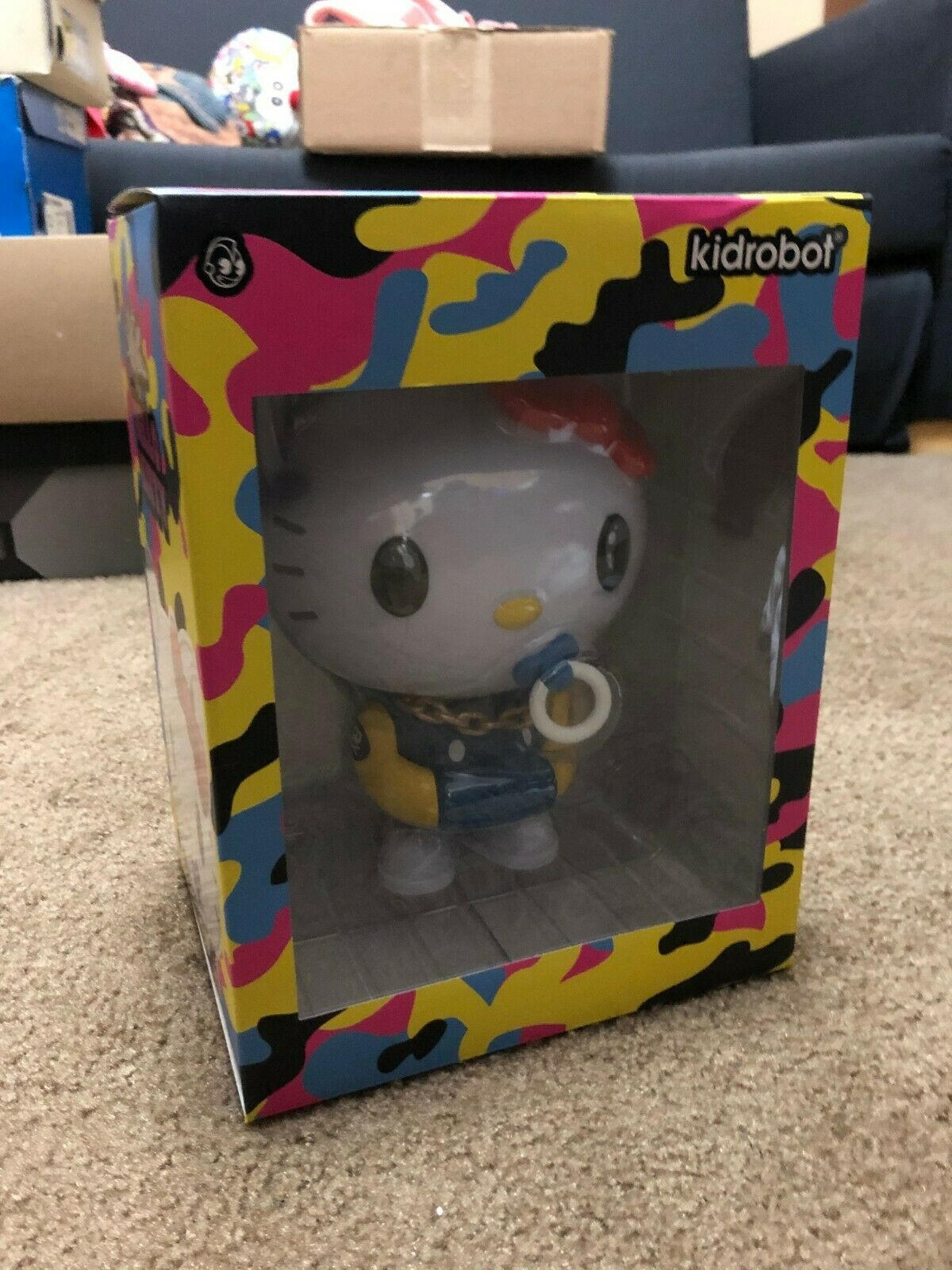 KIDROBOT X SANRIO HELLO KITTY 8    ART FIGURE BY QUICCS - blueE YELLOW 7ce8e7