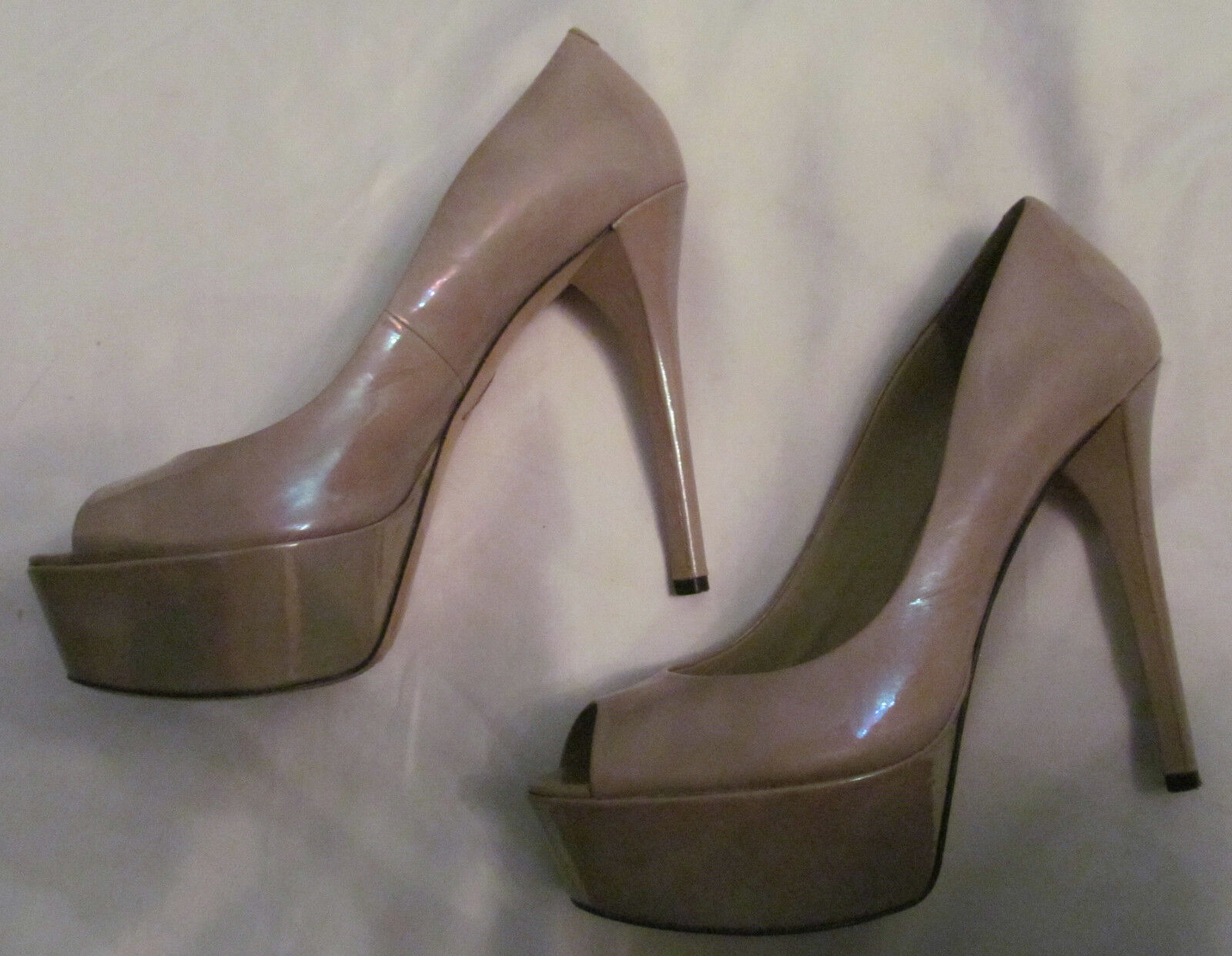 BRIAN ATWOOD BAMBOLA nude oil slick patent iridescent platform pumps schuhe 9 40