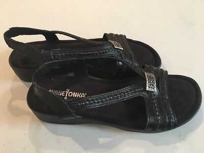 Minnetonka Black Sandals Women's Shoes Size 7 Strap