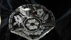 Vintage-Crystal-Footed-Frosted-Flowers-and-Leaves-Bowl