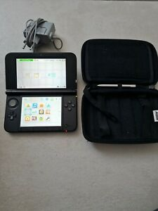 Nintendo 3ds xl plus housse mario et chargeur