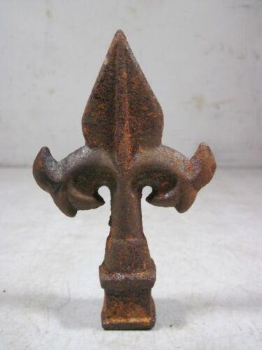 Vintage Antique Cast Iron Wrought Iron Fence Post Finial Fleur De Lis