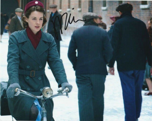 Jessica Raine Call The Midwife Autographed Signed 8x10 Photo COA