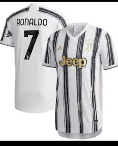 Cristiano Ronaldo Juventus Home Jersey 20/21 Medium