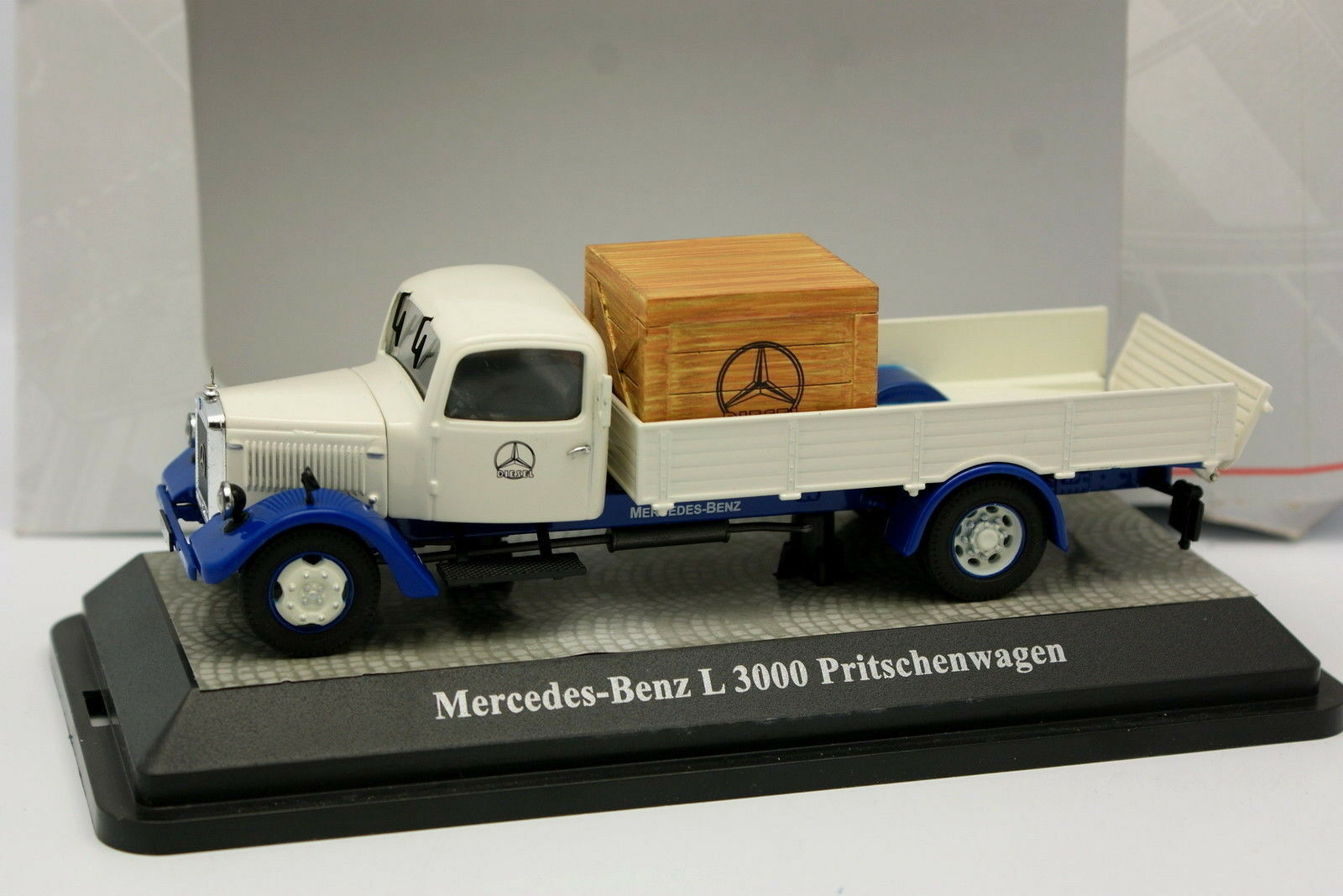 Premium Classixxs 1 43 - Mercedes L3000 Plateau MB Usine
