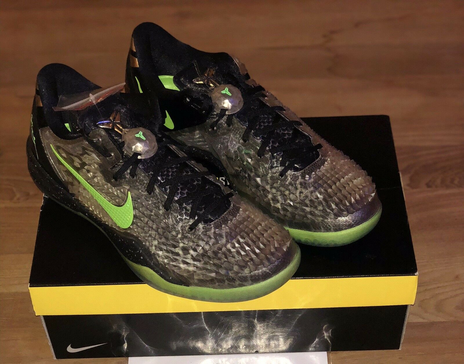 Nike Mens Kobe 8 System SS Christmas Dual-Signed Size 14 Grinch ...