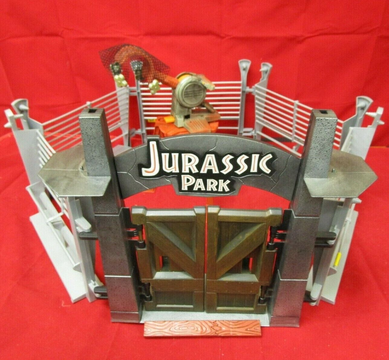 Jurassic Park The Lost World Hasbro Entrance Fenced Enclosure W  Net Catapult