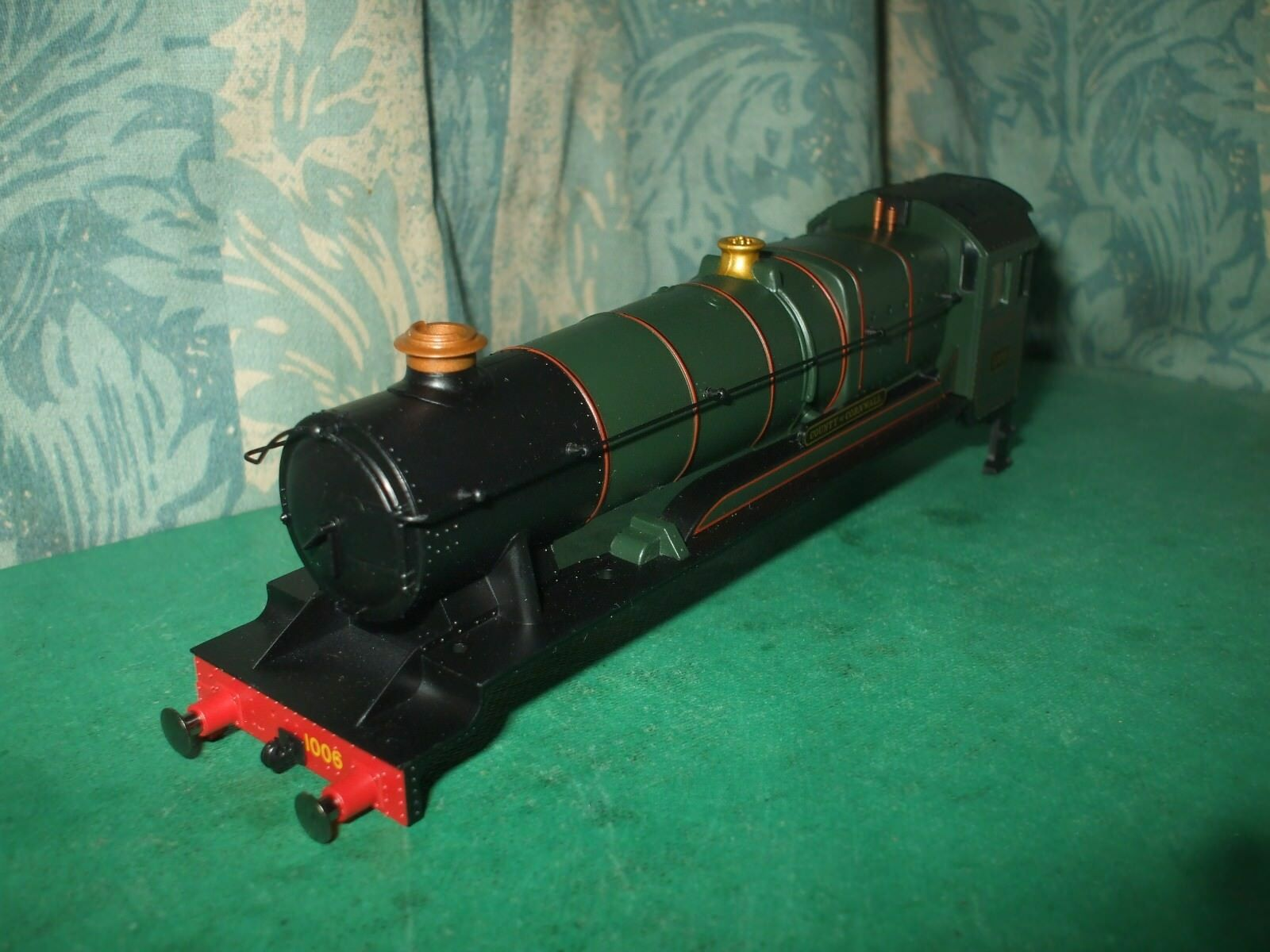 HORNBY GWR HAWKSWORTH COUNTY CLASS GREEN LOCO BODY ONLY - COUNTY OF CORNWALL