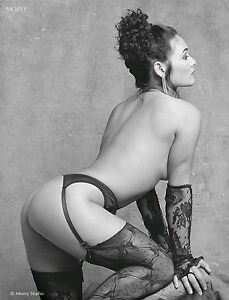 Fine Art Black & White Nude 8.5x11 photo signed by Craig Morey: Reeva 37.7