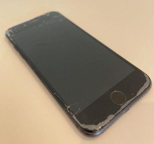 iPhone 7, 64 GB, sort
