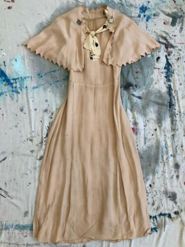 Vintage 1920s 30s Nude Crepe Silk Day Dress Sawtoo