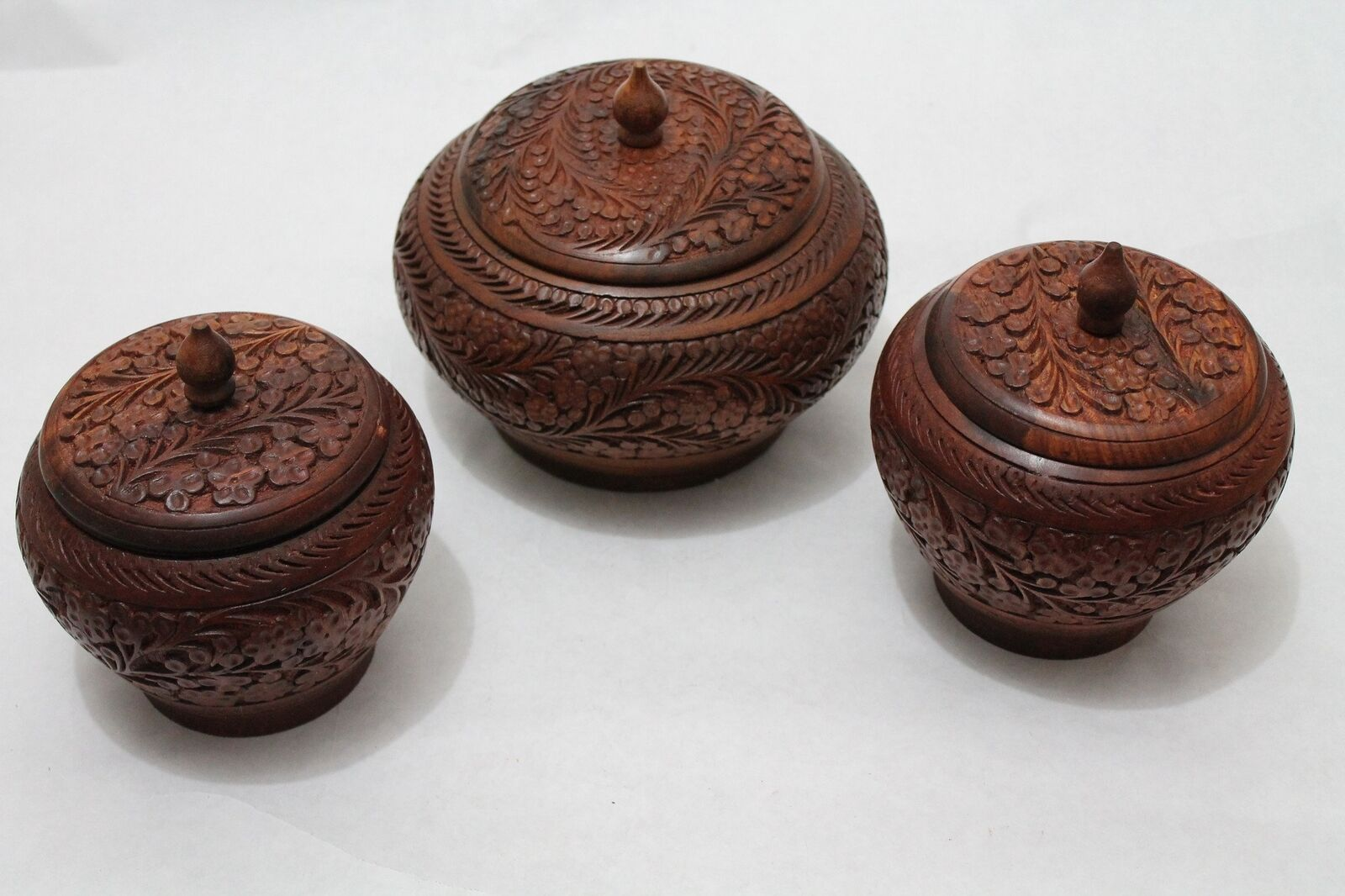 Wooden Candy Jar Set with Hand Crafted Floral Design Diameter 8  and 5  Qty  3 [