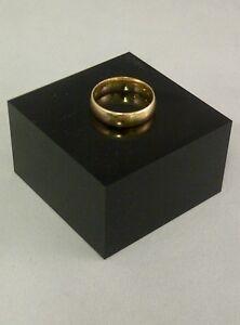 Noir-Acrylique-Perspex-Bloc-30mm-Epaisseur-50mm-Carre-la-Piece-Presentoir-Bijoux