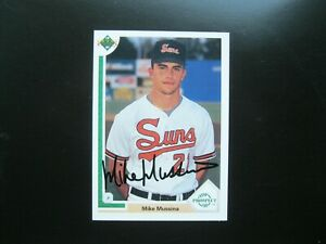 Mike Mussina Autograph on a 1991 Upper Deck Rookie Card Baltimore Orioles