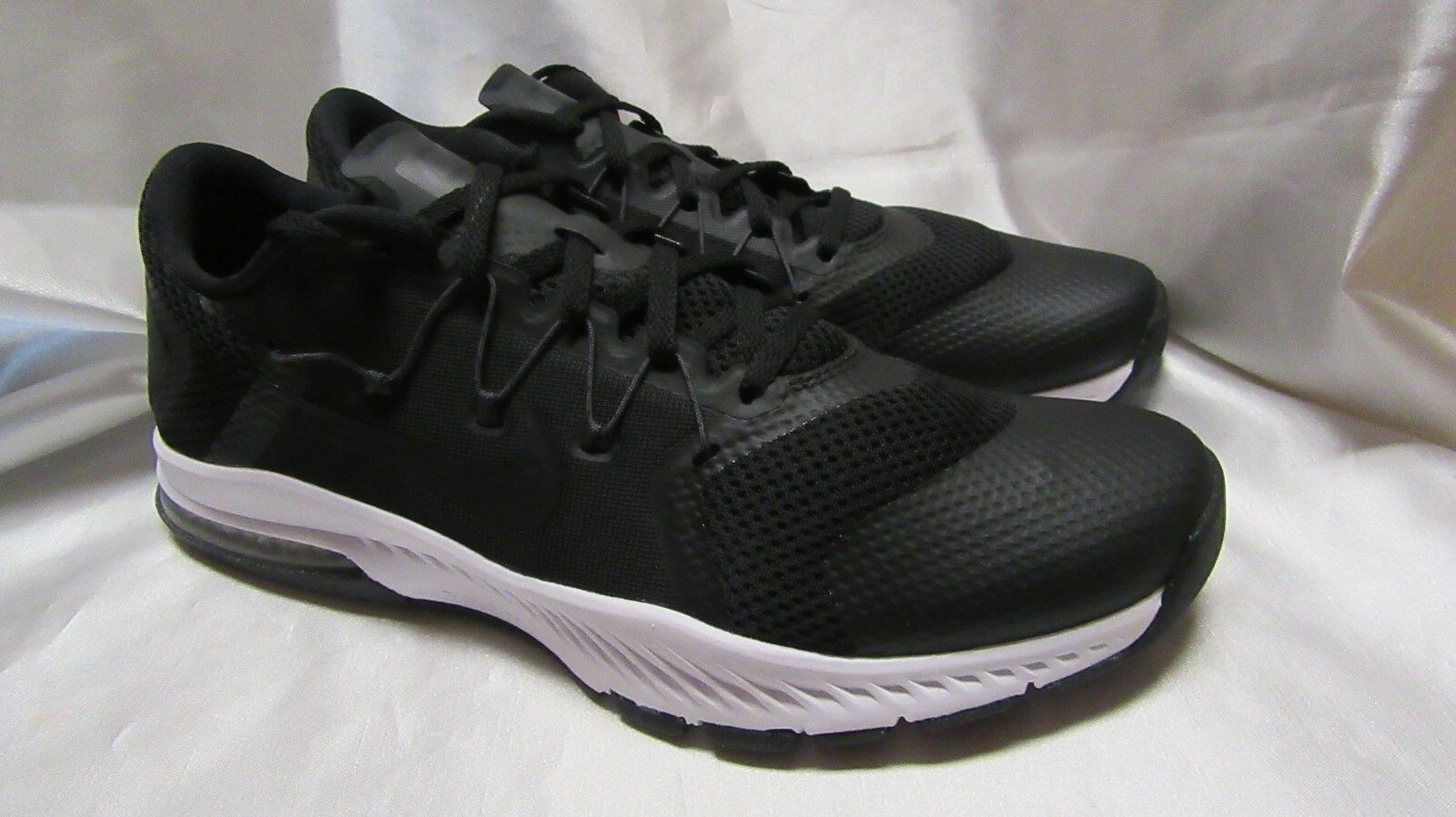 MEN`S NIKE ZOOM TRAIN COMPLETE ATHLETIC SNEAKERS SIZE 9 M NEW BLACK