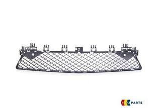 NEW-Genuine-Mercedes-Benz-MB-W204-10-14-pare-chocs-avant-AMG-Lower-Center-Grill