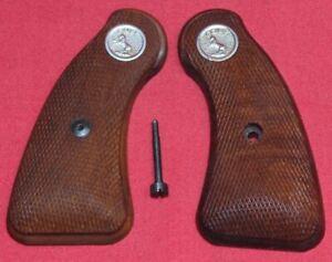 Colt-Firearms-Factory-DETECTIVE-SPECIALS-Grips-D-frame-long-Round-butt