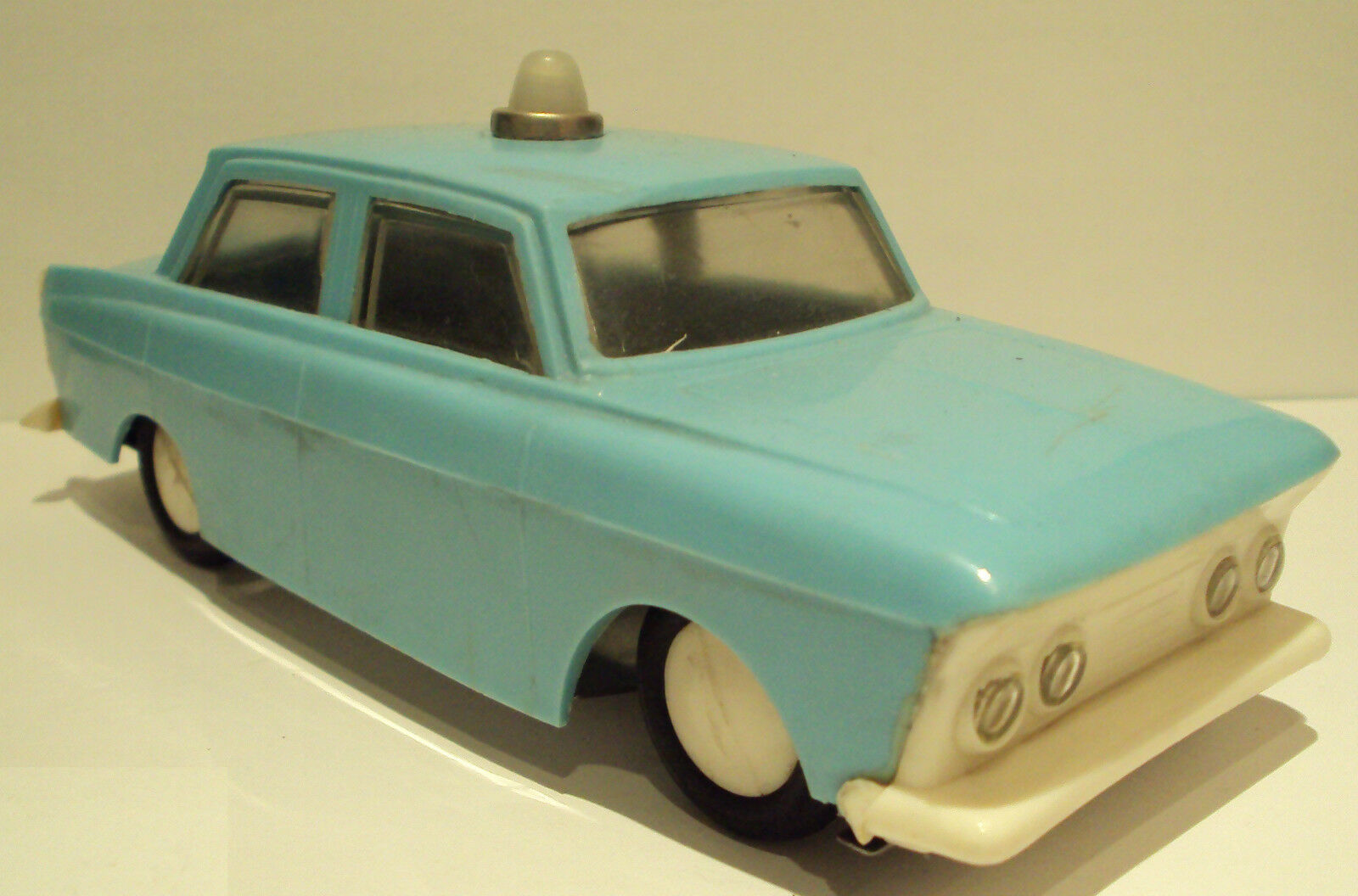 VINTAGE EXCELLENT BULGARIAN CAR FRICTION TIN TOY MOSKVICH-AMBULANCE