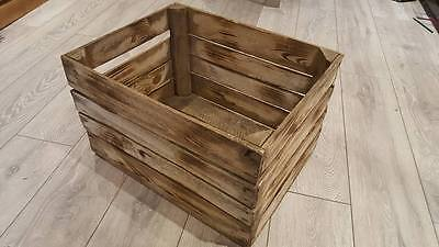 Vast Burnt Tourched Wood Vintage Wooden Apple Fruit Crate Rustic Old Bushel Box.. Gebruiksgoederen