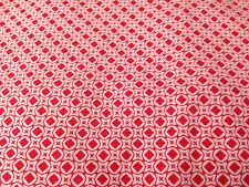 coupon de tissu  PUR coton  fond rouge imprimé blanc couture   : 3. m ; R mag 1