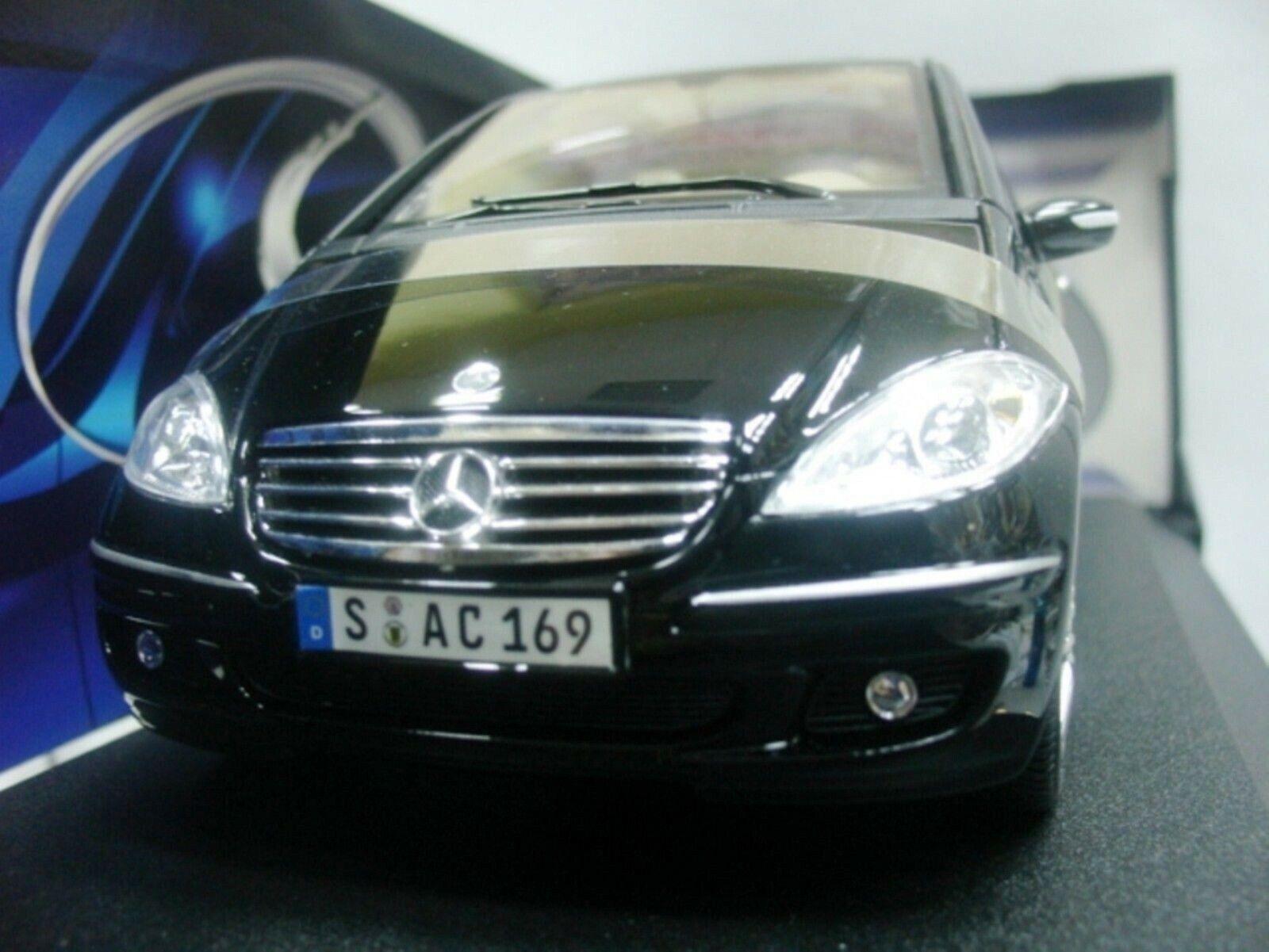 Wow extrêmement rare Mercedes a-Classe A170 Coupé SWB 2005 noir 31694 1 18 Maisto