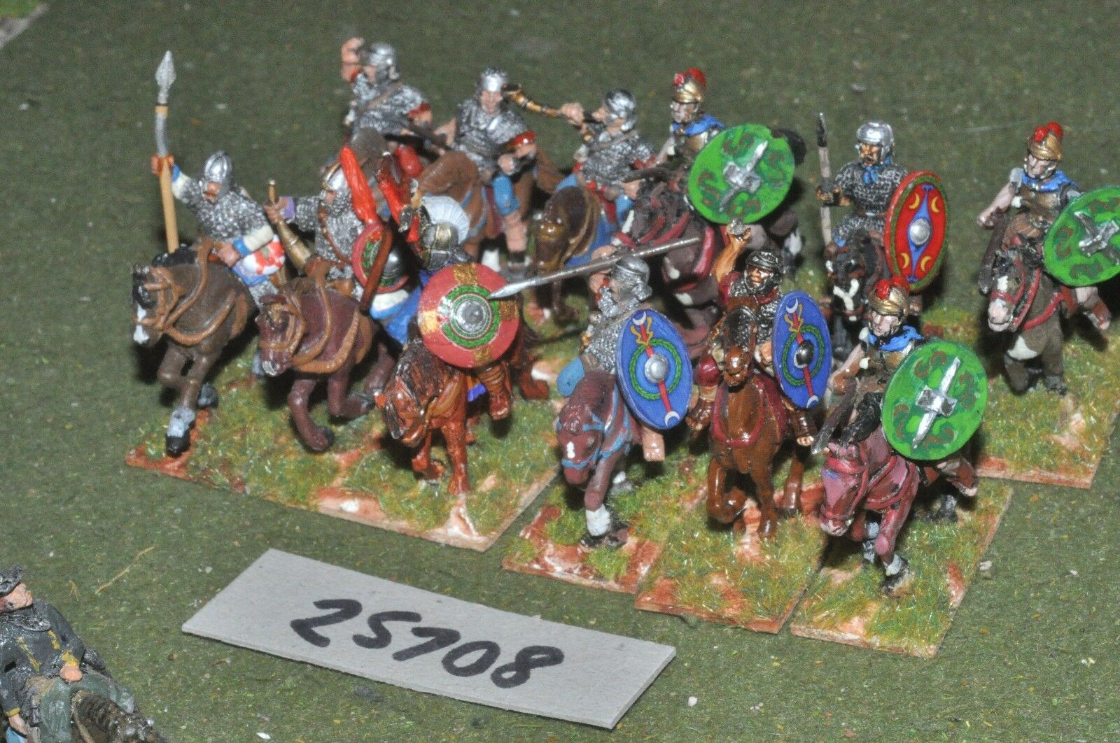 25mm roman era   roman - heavy 12 figures - cav (25708)