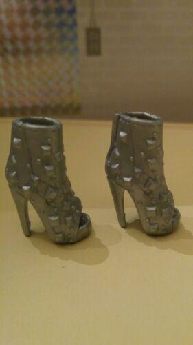 Barbie SHOES SILVER SPIKE  textured peep toe high heel shoes
