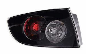 Faro-Mazda-3-4P-berlina-a-partir-de-2006-fondo-negro-exterior-G-PRIX