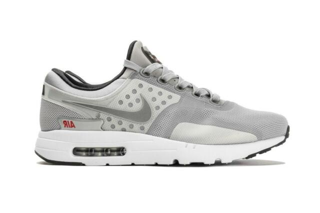 the latest cb0a0 6ee87 Mens NIKE AIR MAX ZERO QS Met Silver Running Trainers 789695 002